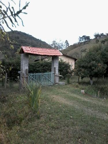 Chácara Em Itapeva , Interior De São Paulo , Na Divisa Com Minas, 16.500 M2 , Casa , Lago , 07 Klm Da Cidade. - 813
