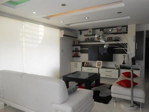 En Venta Apartamento Reciente Zona Centro Cod 20-8769 Sh