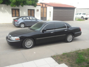 Lincoln Town Car Signure Limited At