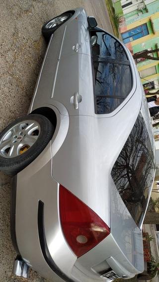 Ford Mondeo 2001 2.0 Ghia