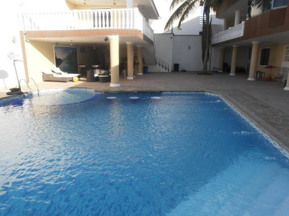Casa En Venta En Urb San Jacinto Maracay Codigo 20-13930 Mv