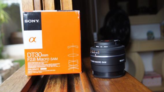 Lente Sony Sal30m28 30mm F/2.8 Para Câmera Alpha Digital Slr