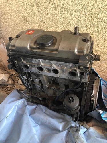 Imagem 1 de 3 de Motor