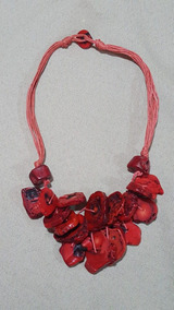 Colar Feminino Vermelho Pedras