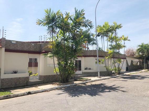 Casa En Venta Urb. Valles De Camoruco Ramón José González.