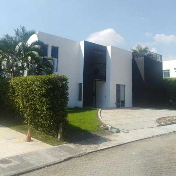 Hermosa Y Moderna Casa Campestre En Lagos Del Peñó