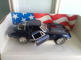 Miniatura 1963 Corvette Sting Ray 1/18 American Muscle Ertl