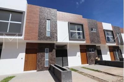 Casa En Venta En Cancun Prol La Luna