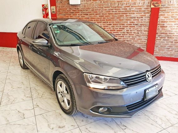 Volkswagen Vento 2.5 Luxury Manual 2011