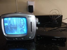 Televisor Antigo Portátil Antiga Luz Com Conversor Digital