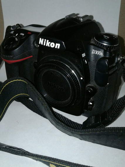 Nikon D300s + Lente 16-85 + Grip + Flash
