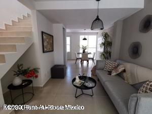 Casa En Venta En Fraccionamiento Santa Fe, Xochitepec, Rah-mx-20-2362