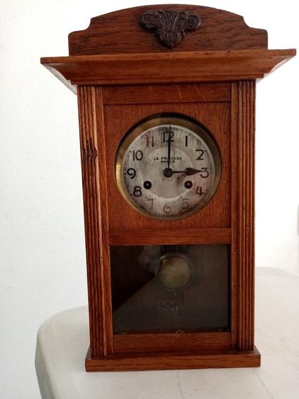 Reloj De Pared Con Pendulo De Cuerda Con Detalle
