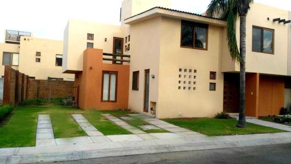 Puerta Real, 3 Recámaras, 3.5 Baños, Estudio, Jardín, Como N