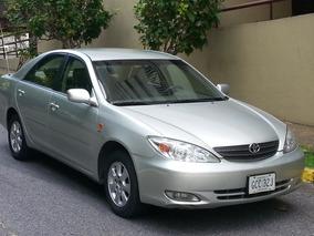 Toyota Camry 2003 2.4l Lumiere Automatico