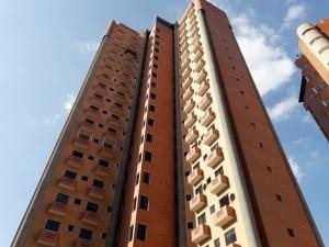 Apartamento En Venta El Bosque,valencia Cod 20-10770 Ddr