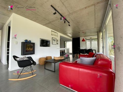 Apartamento En Alquiler - Punta Del Este- Ref: 9806