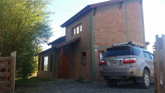 Casa De 110 M2 En 2 Plantas, 2 Dormitorios, 2 Baños + Deck