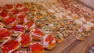 50 Pizzetas -50 Empanaditas - 25 Mini Hamburguesas Envio S/c
