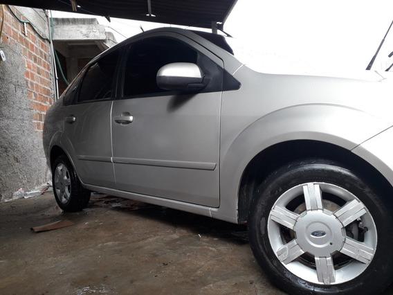 Ford Fiesta Sedan 1.6 Flex 4p 2006