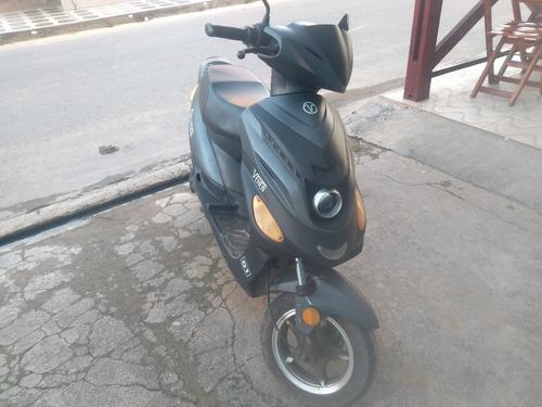 Imagem 1 de 12 de Velox Veneer Scooter