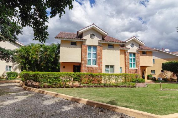 Hermosa Villa En Metro Country Club 2 Habitaciones