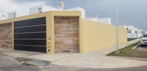 Hermosa Casa Amplia Bien Ubicada En Mérida