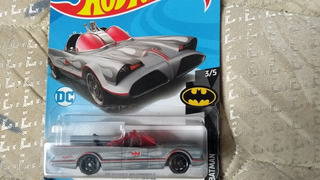 Hot Wheels 2019 Batmovel