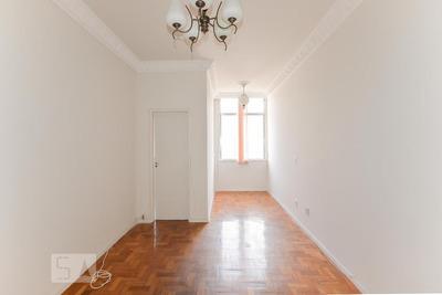Apartamento No 7º Andar Com 2 Dormitórios E 1 Garagem - Id: 892872063 - 172063