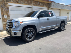 Toyota Tundra Pick-up D/cabina