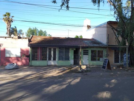 Casa De 2 Dormitorios Y Locales Comerciales