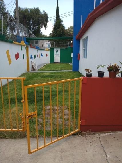 Bonita Escuela En Muy Buena Zona.