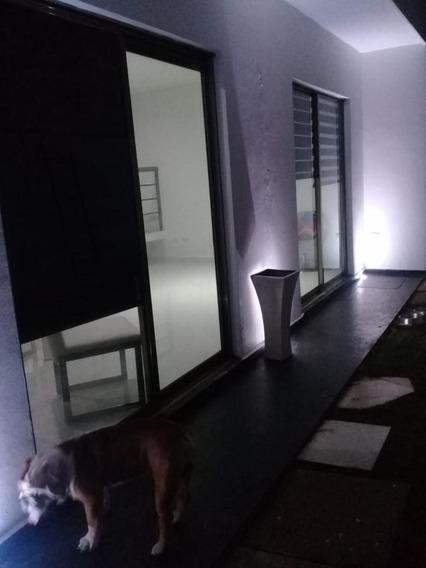 Condominio Horizontal En Av. Las Torres