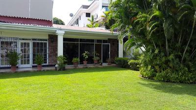 Se Vende Hermosa Casa Cerca Del Parque Omar