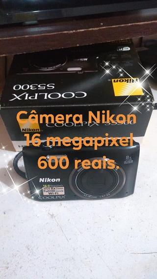 Camera Digital Nikom 16 Megapixel