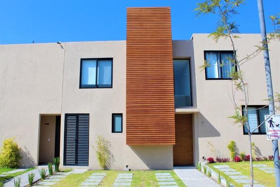 Casa En Renta En Zakia, El Marques, Rah-mx-21-473