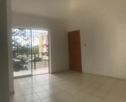 Apartamento 2do Nivel, 3 Dormitorios, Jacobo Majluta