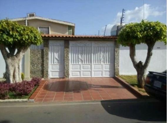 Yarimar Gutierrez Alquila Apartamento # 20-7427