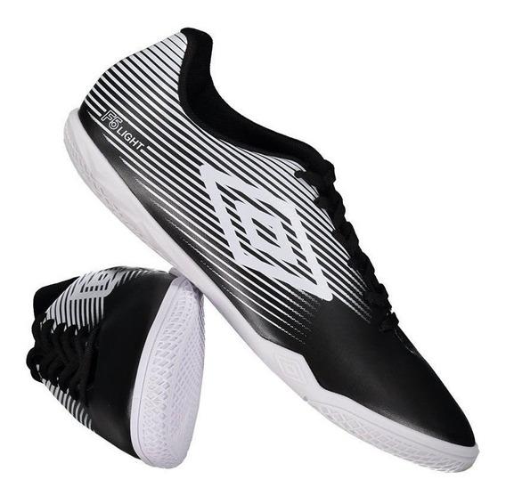 Chuteira Umbro F5 Light Futsal Preto