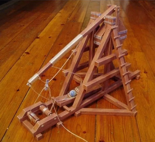 Medieval Trebuchet (modelos De Papel Para Armar)