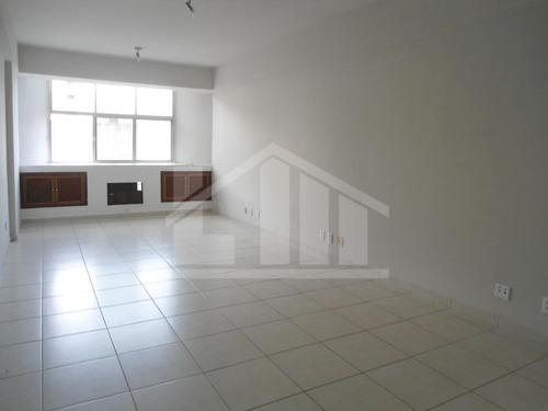 Sala, Qrts Para Para Aluguel, Com 30,00 M², No Centro,vitória. - 203