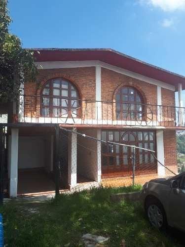 Amplia Casa Con Terreno Para Ampliar O Construir Otra Propiedad