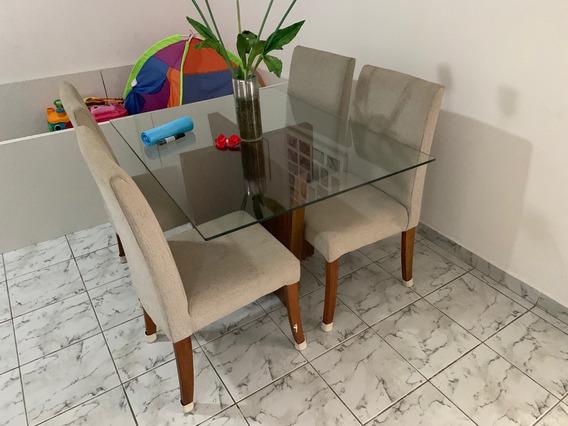 Mesa De Jantar De Vidro Base Em Madeira E 4 Cadeiras
