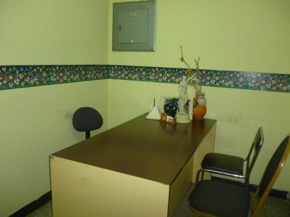 En Alquiler Oficina Centro Rah: 20-3109