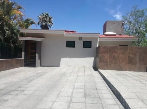 Linda Casa Con Jardin En Las Cañadas