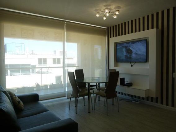 Dos Ambientes Con Vestidor, Baño En Suite Y Amenities - Puerto Madero