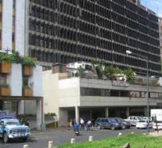 Alquilo Amplia Oficina De 78m2 En Centro Parque Carabobo.