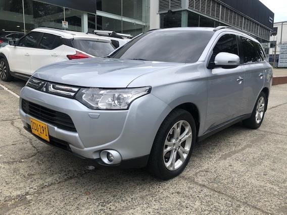 Mitsubishi Outlander. 3.0