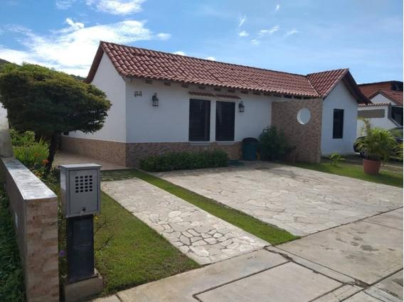 Casa En Villa De Alcalá San Diego. Wc
