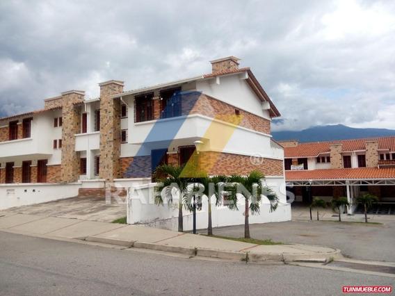 Townhouses En Venta, La Pedregosa